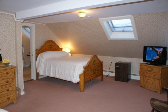 Echo Lake Inn: Coolidge Suite