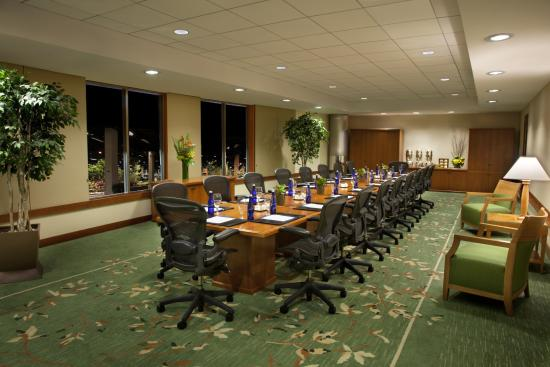 Seaport Boston Hotel: Congress Boardroom