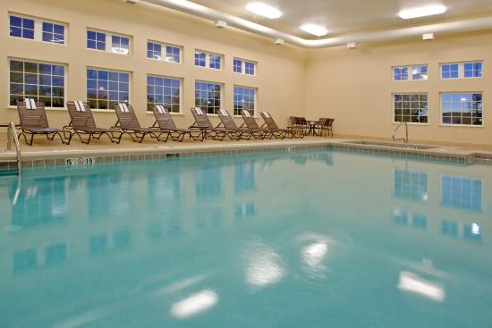Candlewood Suites Polaris: Swimming Pool
