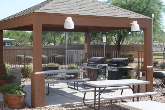 Candlewood Suites Phoenix Gazebo Grill