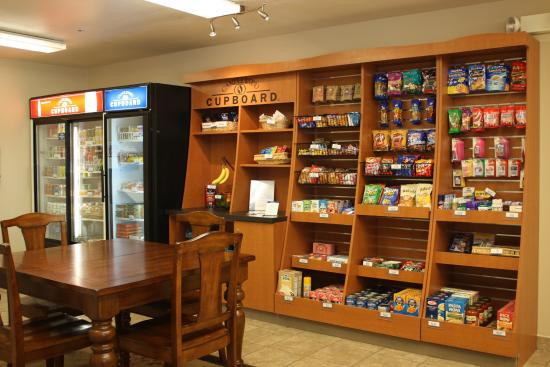 Candlewood Suites Phoenix: Candlewood Cupboard