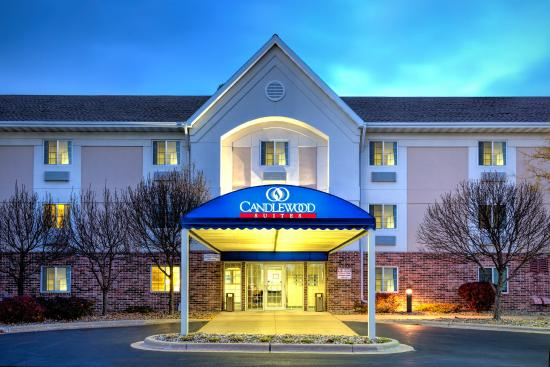 Candlewood Suites Appleton: Night Exterior