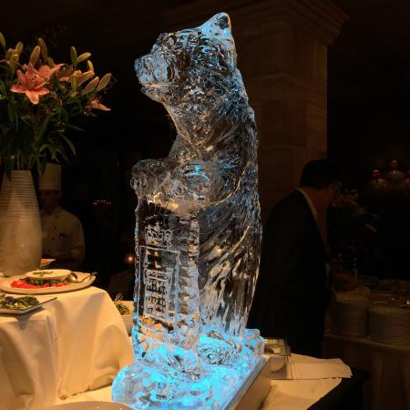 Gstaad Palace Hotel: dinner ice sculpture!