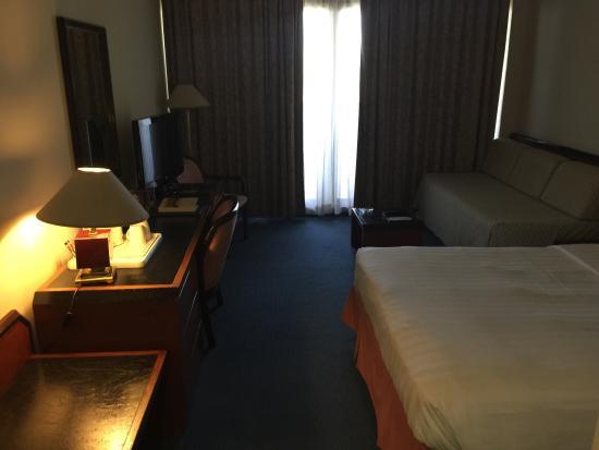 โรงแรมโกลเด้นทิวลิปซีบ