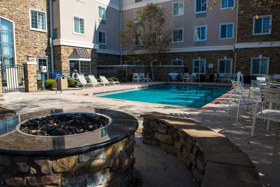 Staybridge Suites Columbus Ft. Benning: Relax by the pool!