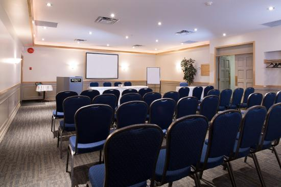 Village Green Hotel: Meeting/Banquet Room