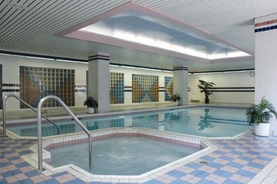 Indoor Pool Sauna Hot Tub Picture Of Cartier Place Suite Hotel Ottawa Tripadvisor