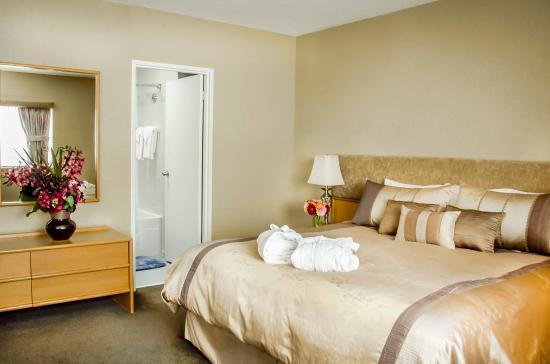 Cartier Place Suite Hotel Penthouse Room