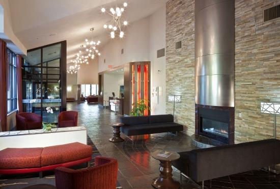 Aava Whistler Hotel: Lobby