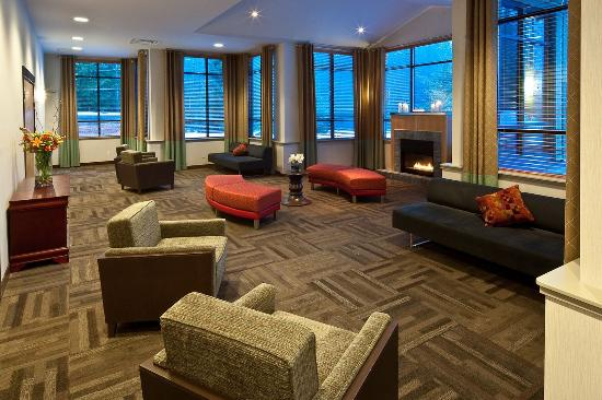 Aava Whistler Hotel: Meeting Room
