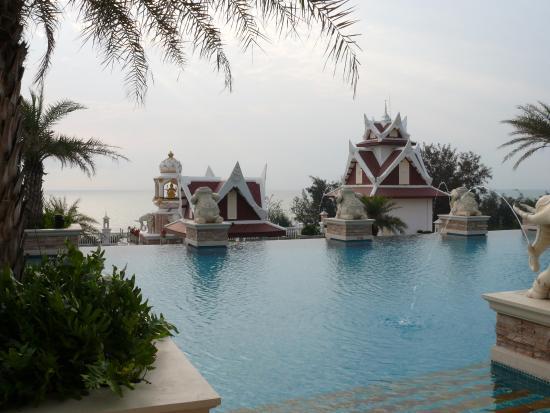Grand Pacific Sovereign Resort & Spa: Het tweede zwembad
