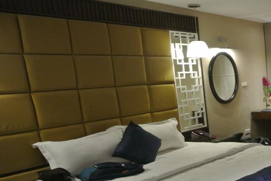 Church Boutique Hotel 49 Lan Ong: Modern Room.