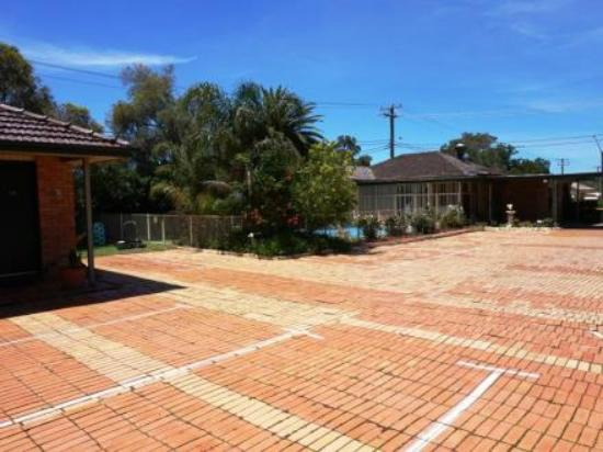 Kurri Kurri, Australia: groundsarking