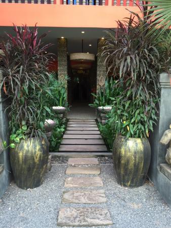 Golden Temple Hotel: Eingang zum Hotel