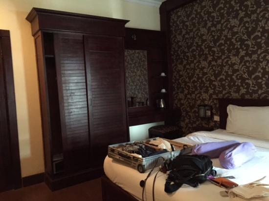 Seasons Riverside Hotel: Room