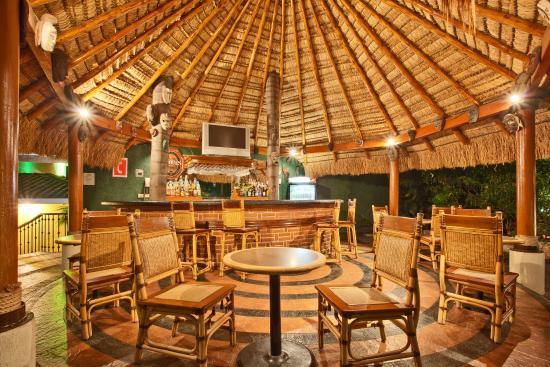 Holiday Inn Cuernavaca: Bar and Lounge