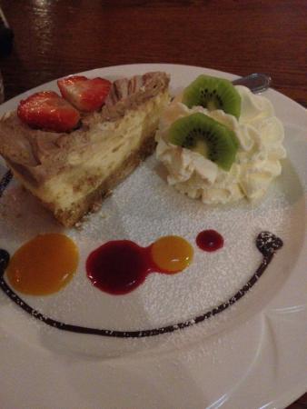 Royal Court Hotel: Simply diving Choc Orange Cheesecake