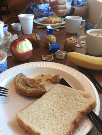 Comfort Inn & Suites Madison Airport : Ontbijt
