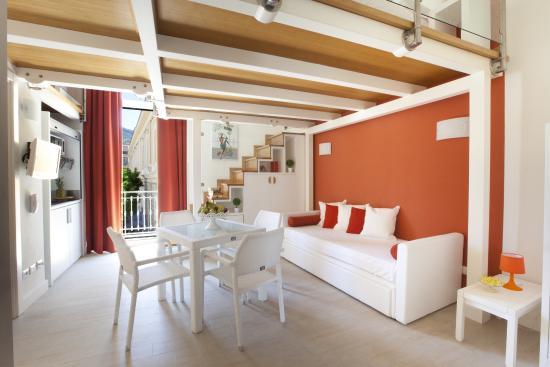 La Piazzetta Guest House Sorrento Italy