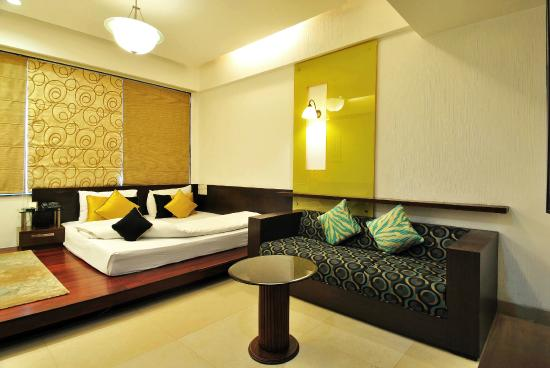 Hotel Aquamarine: Living Area