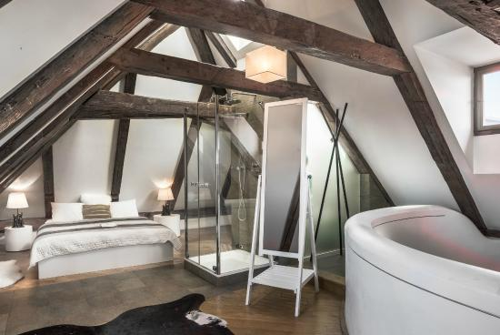 Royal Boutique Residence: One Bedroom Duplex Apartment Attic