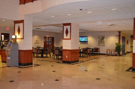 Wingate by Wyndham Chesapeake : Dining Area
