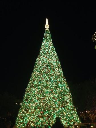 town square las vegas the big christmas tree