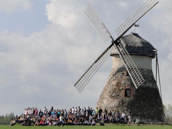 Jogeva, Estland: Kuremaa tuulik peokohana (Ivo Helm)
