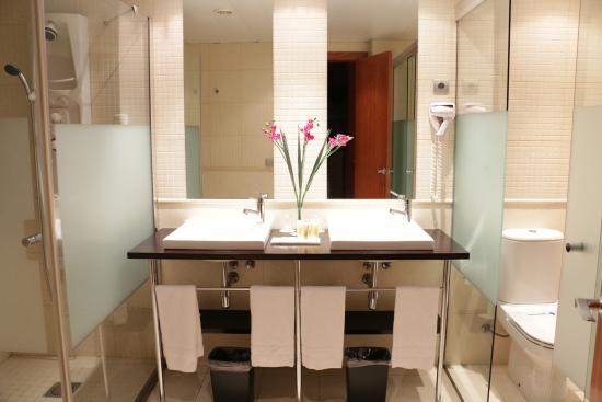 City Park Sant Just: Baño suite