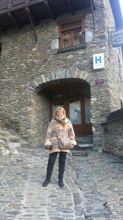 Hotel Santa Barbara de la Vall d'Ordino : entrada del hotel