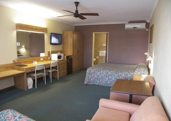 Cumberland Motor Inn: Other Hotel Services/Amenities