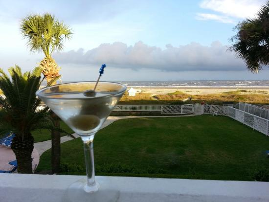 ‪‪Fripp Island Resort‬: Have a Cocktail at Ocean View at the Beach Club‬