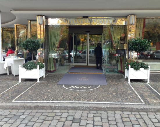 hotelvorfahrt picture of hotel colombi freiburg im breisgau tripadvisor. Black Bedroom Furniture Sets. Home Design Ideas
