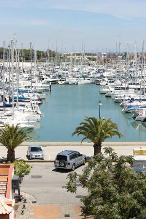 Marina puerto sherry picture of apartamentos puerto for Apartamentos puerto marina