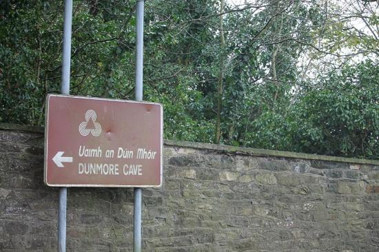 Dunmore Cave: Sign to cave
