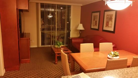 Blue Tree Resort at Lake Buena Vista: Living Room Area