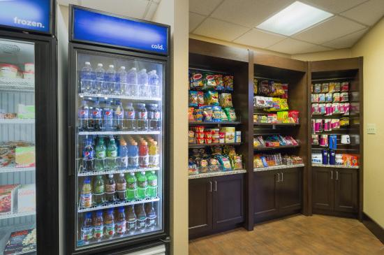 Hampton Inn & Suites Hershey: Snack Shop