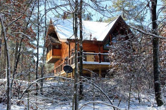 Bon Beavers Bend Log Cabins: Burnt Whiskey   Honeymoon Cabin