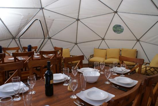 Adventure Domes Ecocamp Patagonia: comedor para cena
