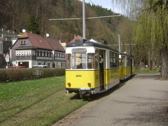 Bad Schandau, Alemania: bonde pronto para partir