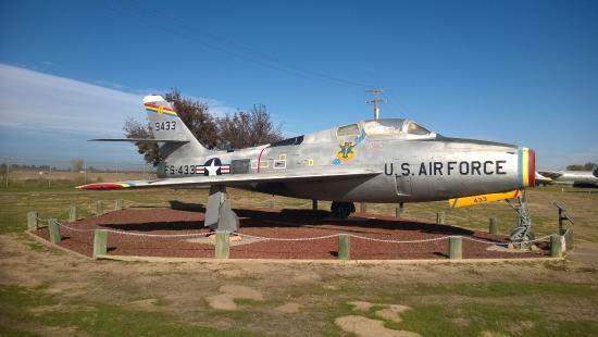 Atwater, CA: F-100 Super Sabre