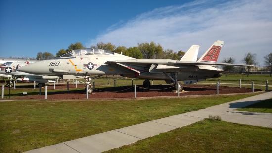 Atwater, CA: F-14D Tomcat