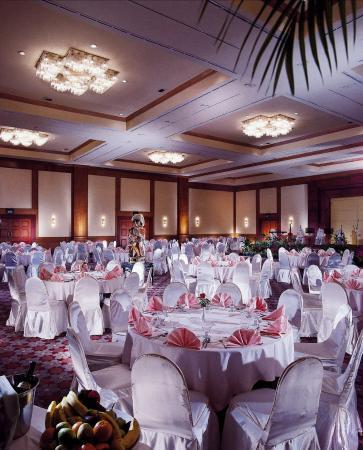 Ballroom wedding picture of millennium hotel sirih jakarta millennium hotel sirih jakarta ballroom wedding junglespirit Image collections