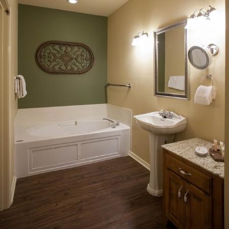 ويندهام برانسون آت ذا ميدوز: Bathroom