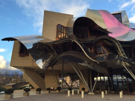 Bodegas Marques De Riscal Edificio Disenado Por Frank Gehry