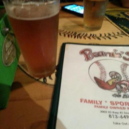 Beanie's Bar & Sports Grill : Beanie's!