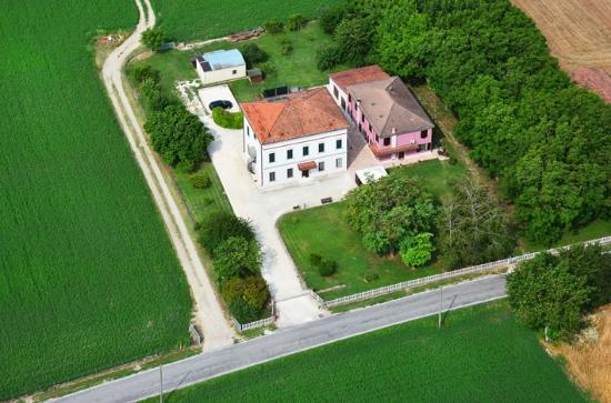Bed and Breakfast Corte Fitti: panoramica aerea