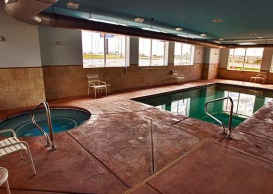 Comfort Inn & Suites Cedar City: Pool (OpenTravel Alliance - Pool view)