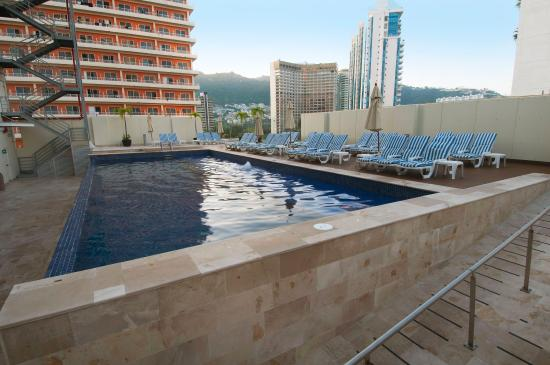 One Acapulco Costera: Pool