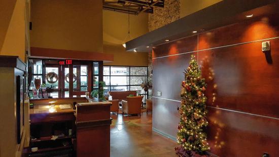 City Range Steakhouse Grill: Entry foyer